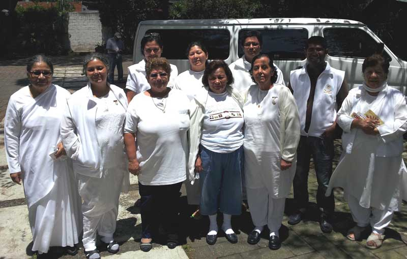 BK El Salvador family in Guatemala Center with van driver