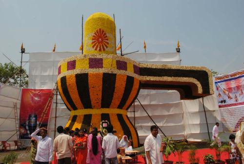 World's Largest Flower Shivling at Belgaum (Karnataka)