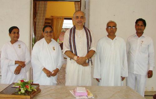 Tying Rakhi to Gajapati Maharaja ji of Jagannath Puri