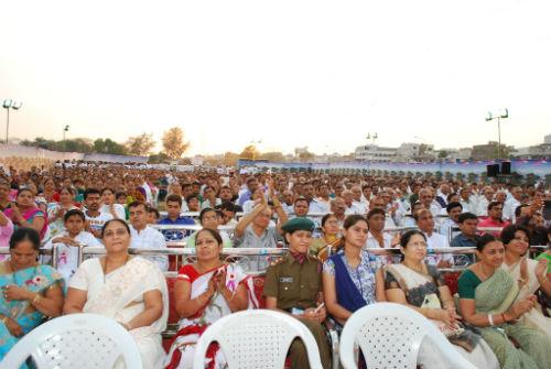 B.K.Jayanti Behen (London) Inaugurates Amarnath Mela at Surat