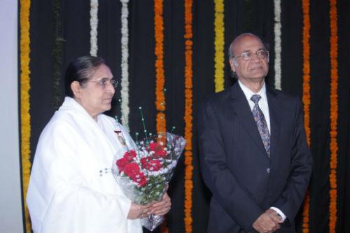 LLIM Felicitate Divyabehn at Borivali