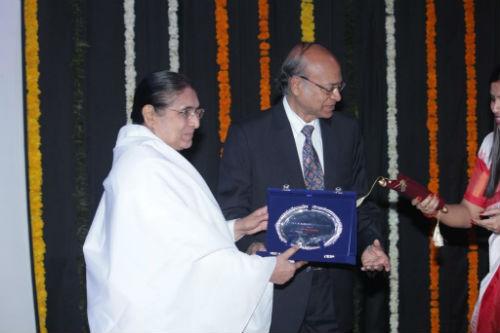 LLIM Felicitate Divyabehn