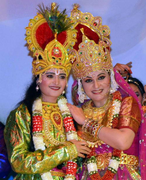 Cultural Evening at Gyan Sarovar with Actress Gracy Singh