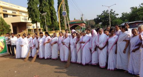 Swatch Bharat Abhiyaan - Clean India Campaign by Brahma Kumaris Bagalkot Kar