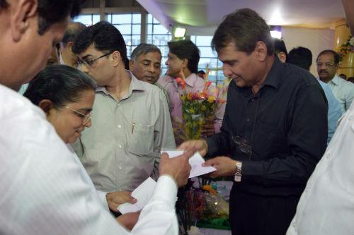 Brahmakumaris Meeting Railway Minister Suresh Prabhu