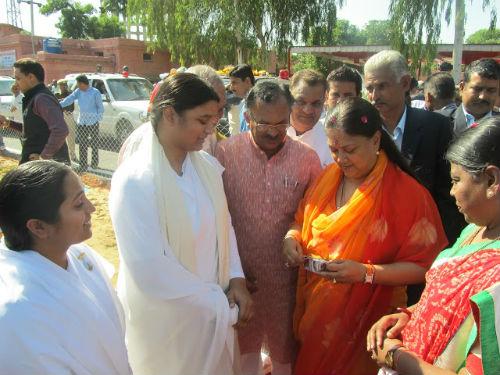 Brahmakumaris Sisters Meeting Rajasthan Chief Minister Mrs Vasundhara Raje in Ajmer