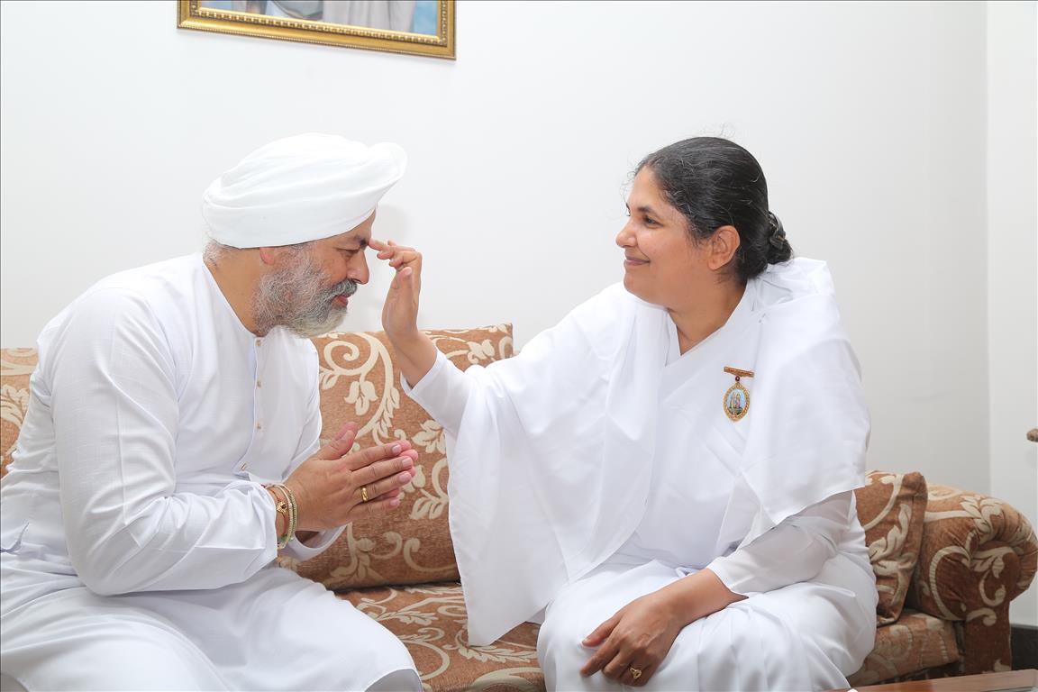 Brahmakumaris Tying Rakhi To Baba Hardev Singh Ji Maharaj Chief Of